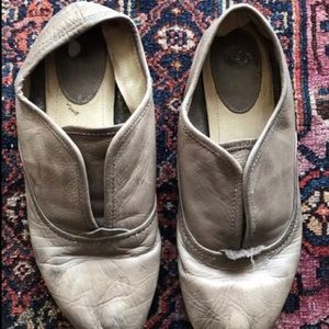 Frye Slipon leather flats sz 8